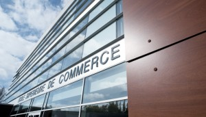 caution financiere ecole commerce
